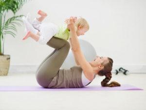 Как быстро убрать живот после родов в домашних условиях